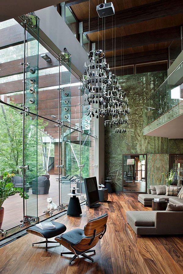 идеи за високи тавани хол паркет сив диван