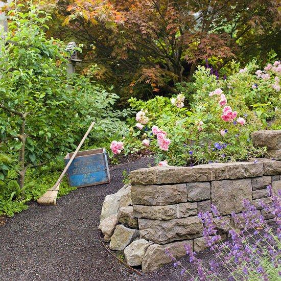 идеи градината камъни розови цветя лилави двор