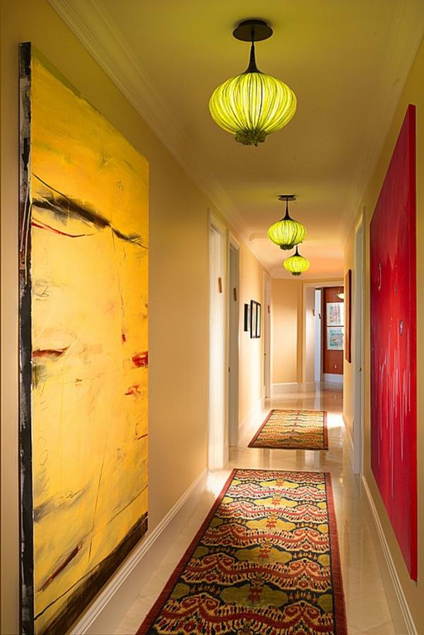 идеи дизайн коридор с жълти и червени акценти