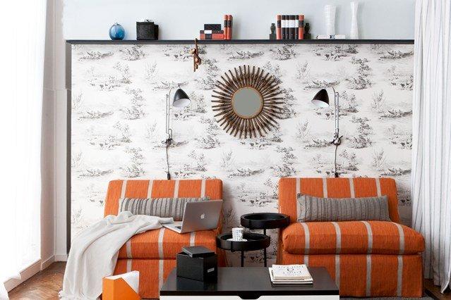 идеи малък хол обзавеждане бяло оранжево