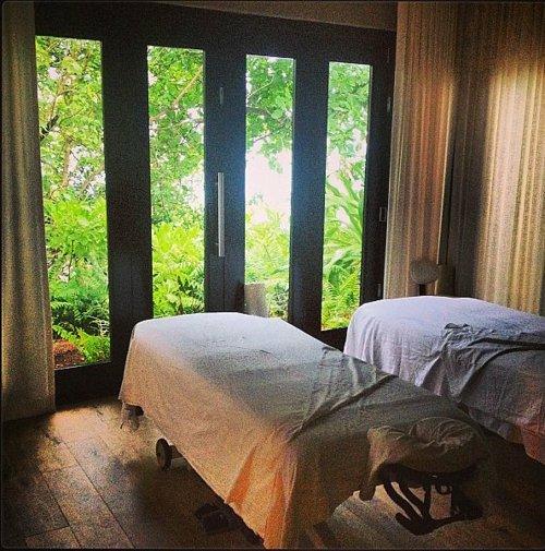 идеи за романтична среща масаж