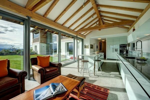 идеи за тавани дървени греди обзавеждане бяло бежово