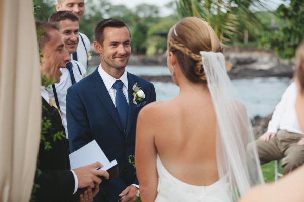 идея рустик сватба край морският бряг младоженци тържество