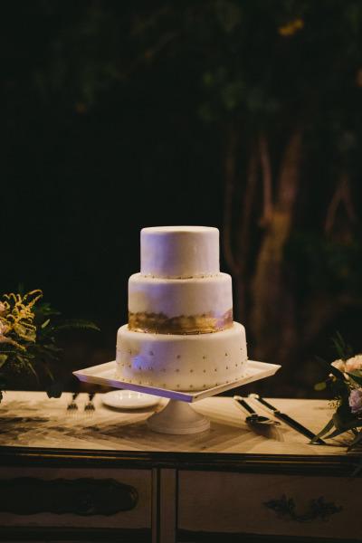 идея рустик сватба край морският бряг сватбена торта