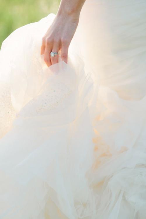 идея за сватба булка пръстен фотография