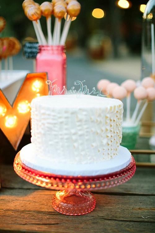 идея за сватба бяла сватбена торта