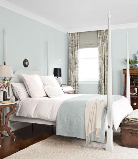 интериорен-дизайн-в-синьо-идеи-легло-дърво