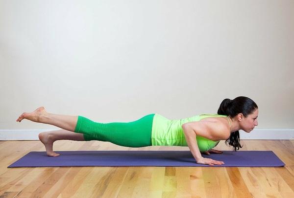 как да изгорим мазнините на ръцете йога