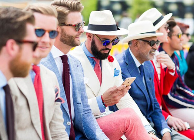 как да се облечете като италианец шапки