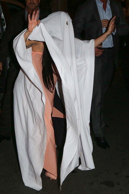 костюми-за-хелоуин-звезди-лейди-гага