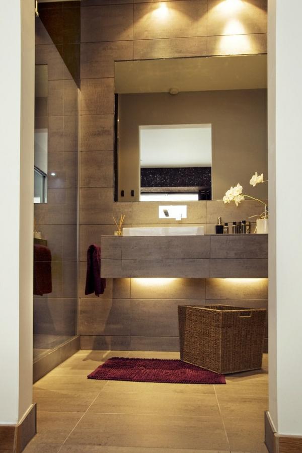 малка-баня-идеи-дизайн-в-бежово-огледало
