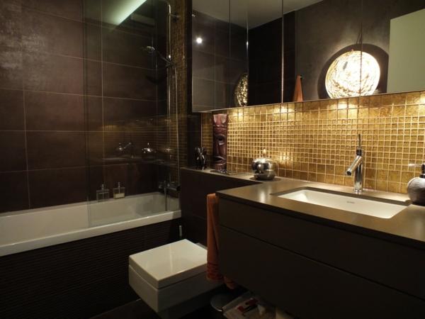 малка баня идеи кафяво обзавеждане вана мивка