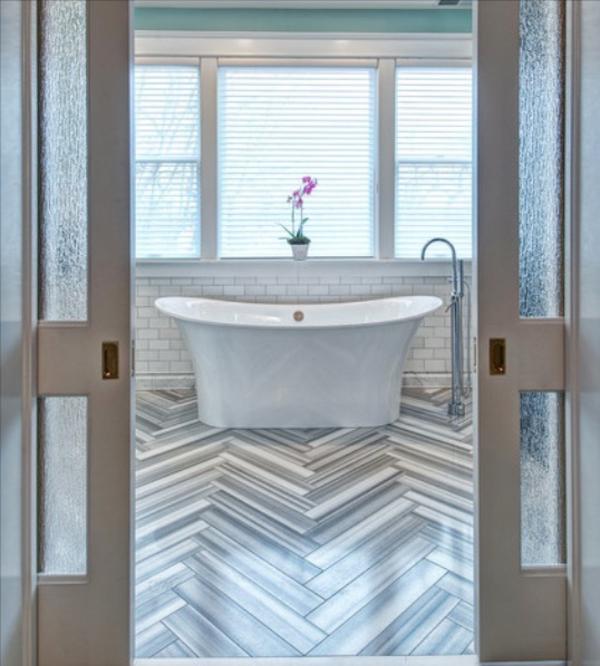 модерни-вани-баня--сиво-бяло