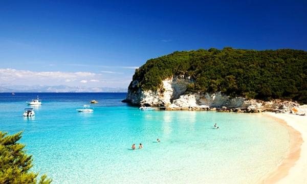 най красивите плажове гърция врика антипаксос почивка