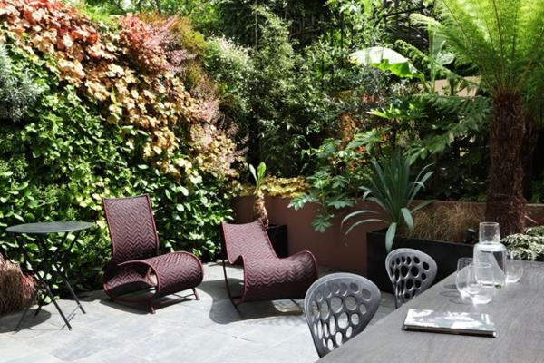 открита трапезария в градината