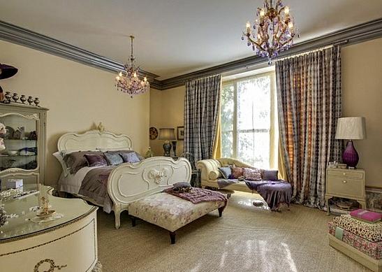завеси пердета за спалня интериор лилаво бяло