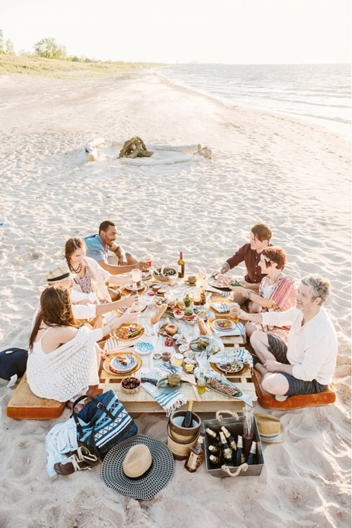 пикник на плажа приятели