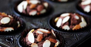 рецепта за шоколадови мъфини с бадеми