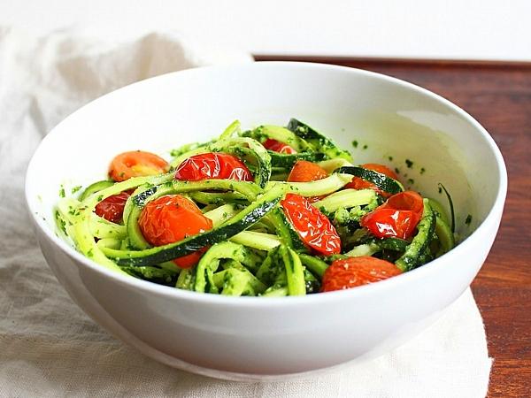 рецепти за летни салати тиквички домати