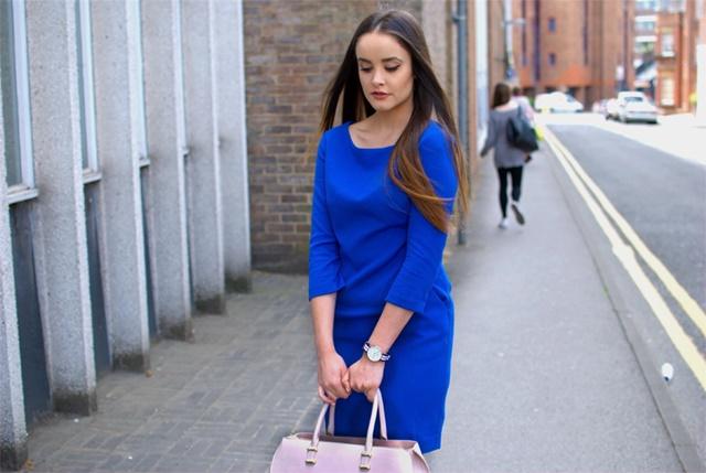 савина николова синя рокля