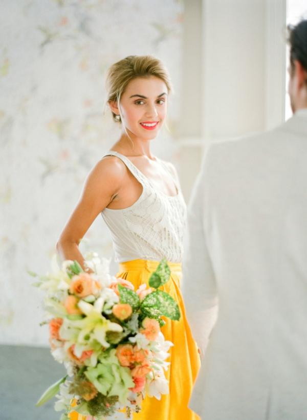 сватба в жълто зелено булка