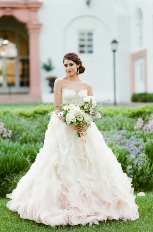 сватба-в-розово-фотография-булка
