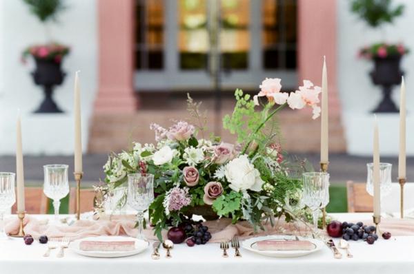 сватба в розово декорация маса