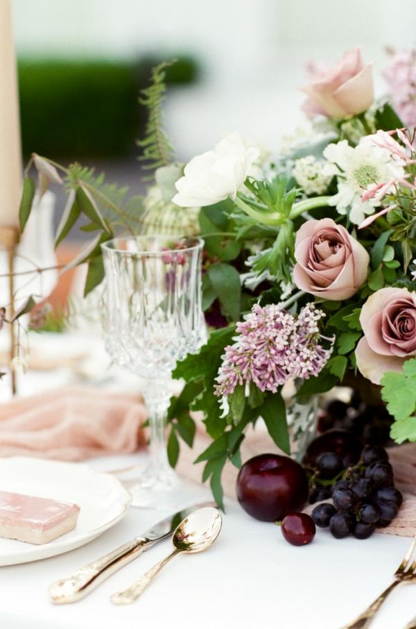 сватба в розово декорация цветя