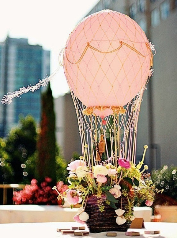 сватбена украса за маса цветя балон