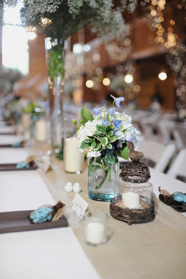 сватбена украса маса свещници цветя
