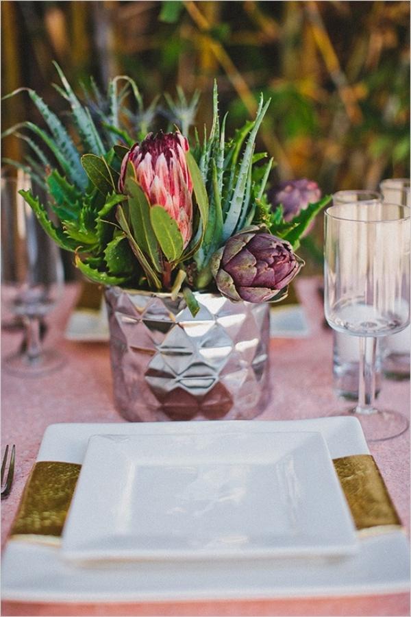 сватбена украса маса цветя декорация
