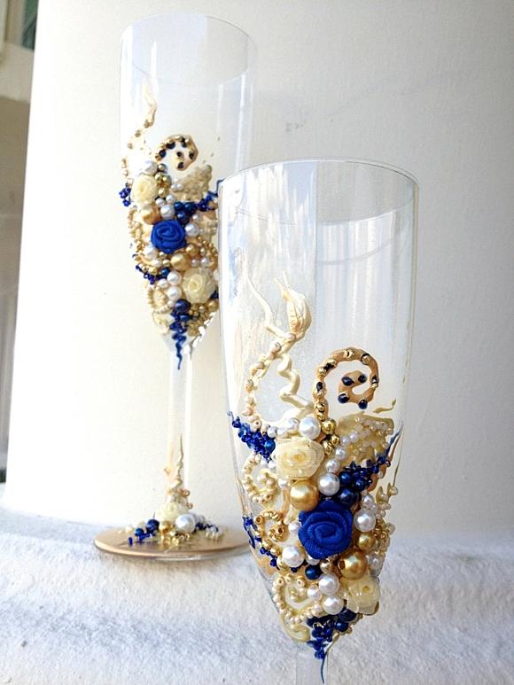 сватбени-чаши-декорация-перли-цветя