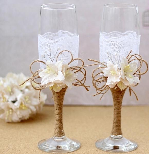 сватбени-чаши-декорация-дантела-цветя