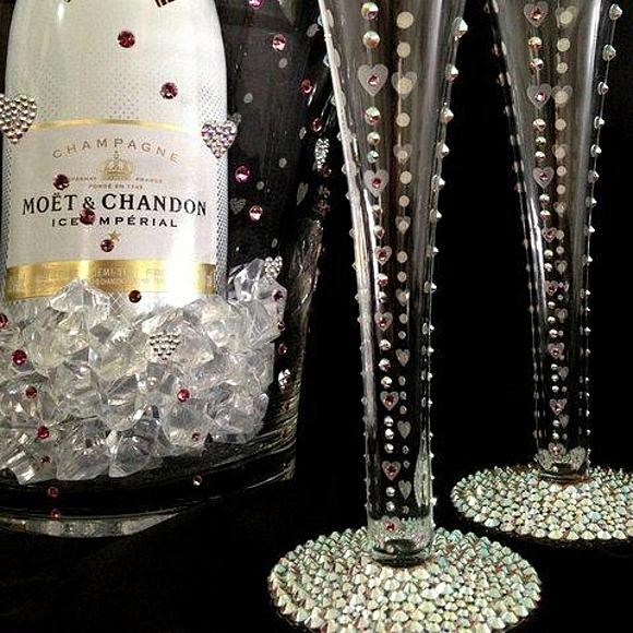 сватбени чаши кристали шампанско