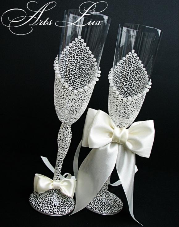 сватбени-чаши-бели-панделки