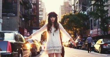 стрийт-стайл-бяла-рокля