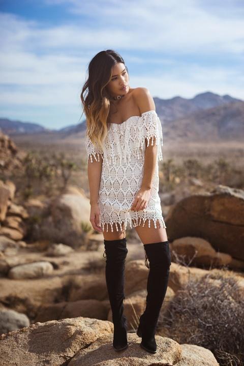 стрийт-стайл-къса-бяла-рокля
