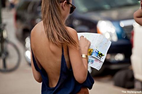 стрийт стайл рокли гол гръб сини