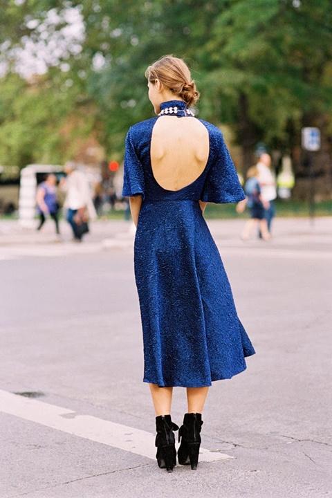 стрийт стайл рокли с гол гръб сини