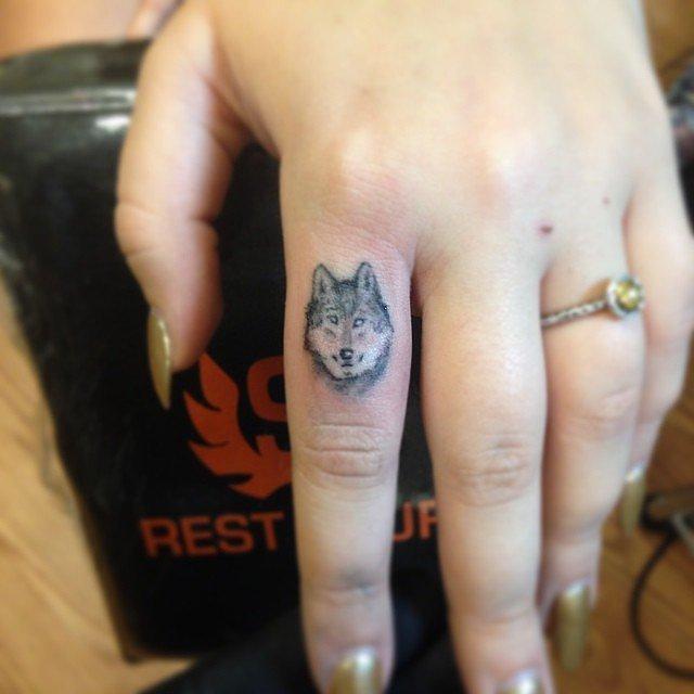 татуировки-за-жени-вълк