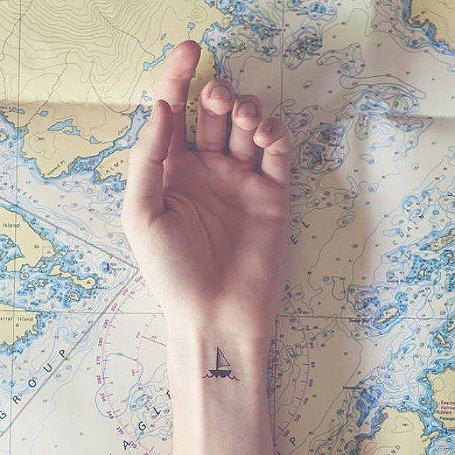 татуировки-за-жени-кораб