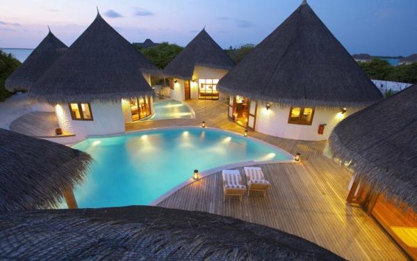 топ дестинации за сватбено пътешествие малдиви къщи басейн