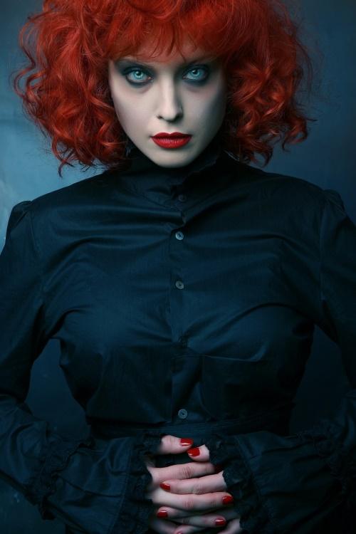 хелоуин-грим-за-червенокоси-вампир