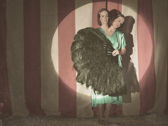 хелоуин костюми близнаци