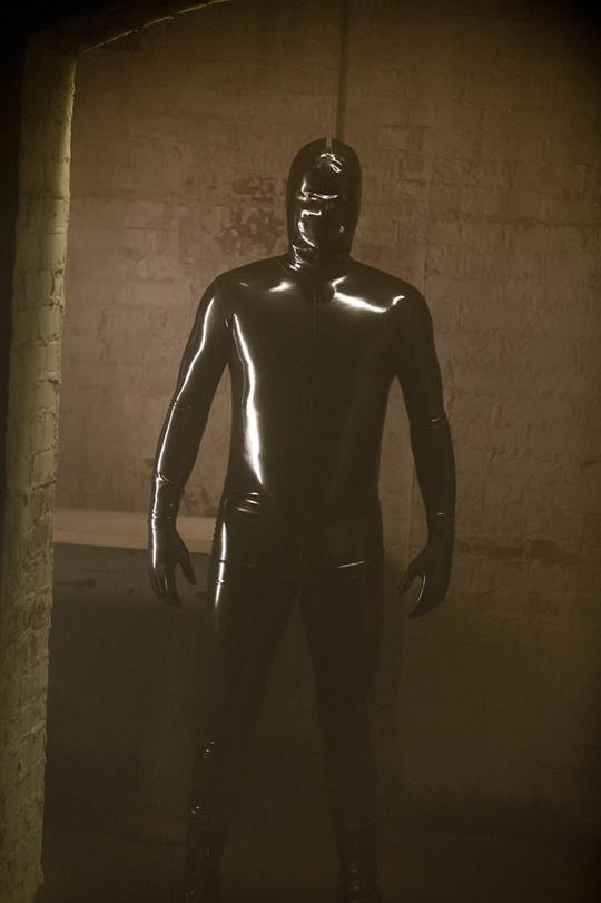 helouin kostum ot lateks ot filma zloveshta semeina istoriq