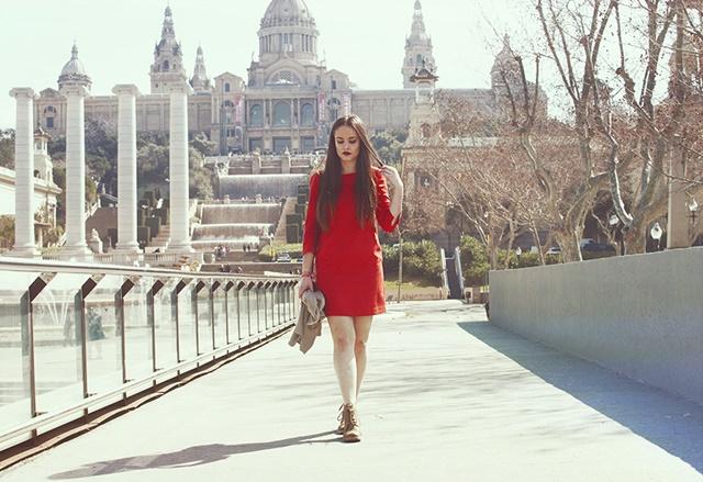 червена-рокля-савина-николова