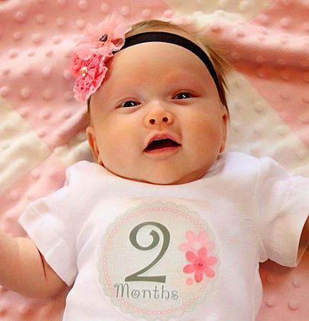 bebe na 2 meseca