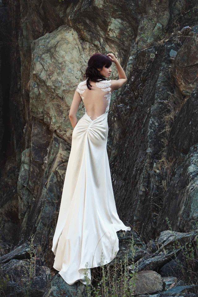 булченски-рокли-гол-гръб