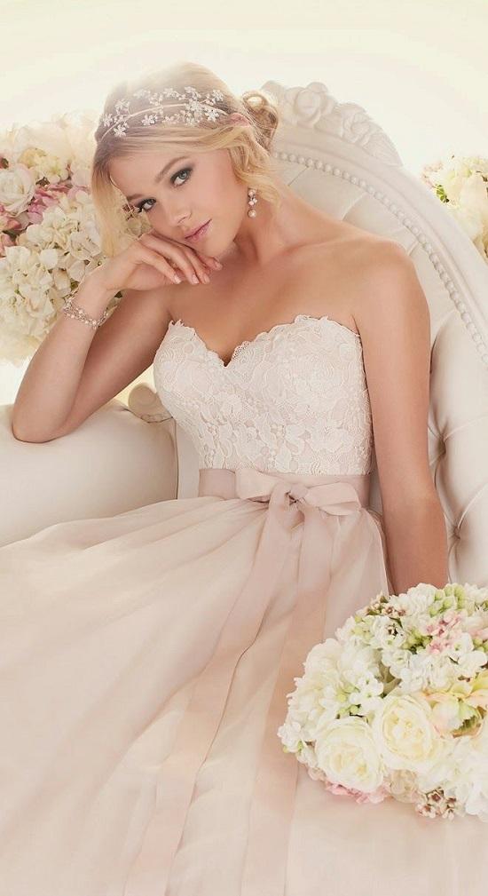 булчински-рокли-в-розово