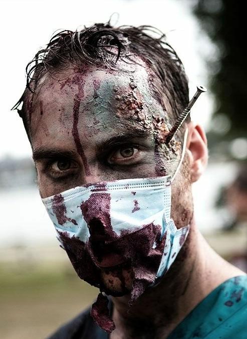 grim za helouin za muje zombi
